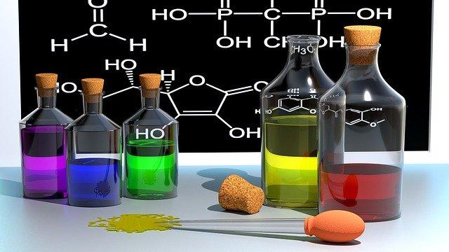 chemické vzorce a látky