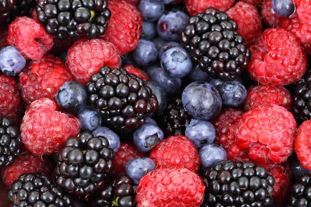 čerstvé lesní ovoce