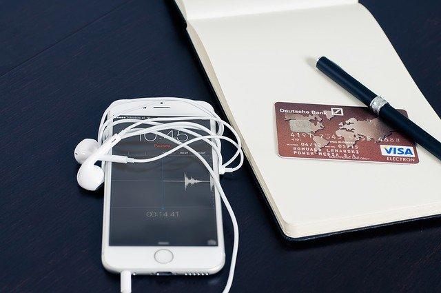 kreditka a mobil