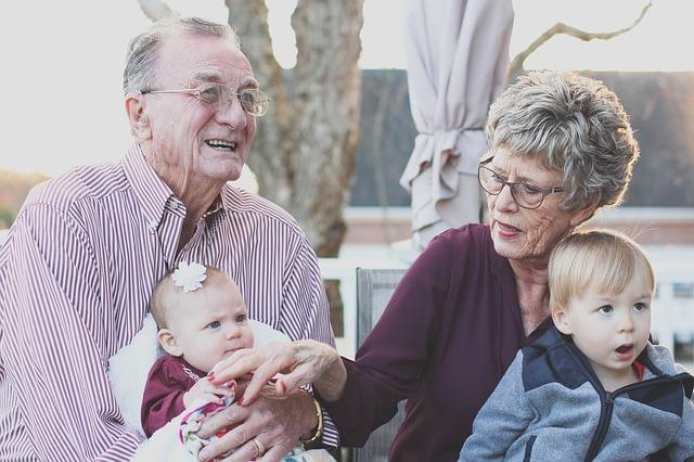vnoučata s prarodiči