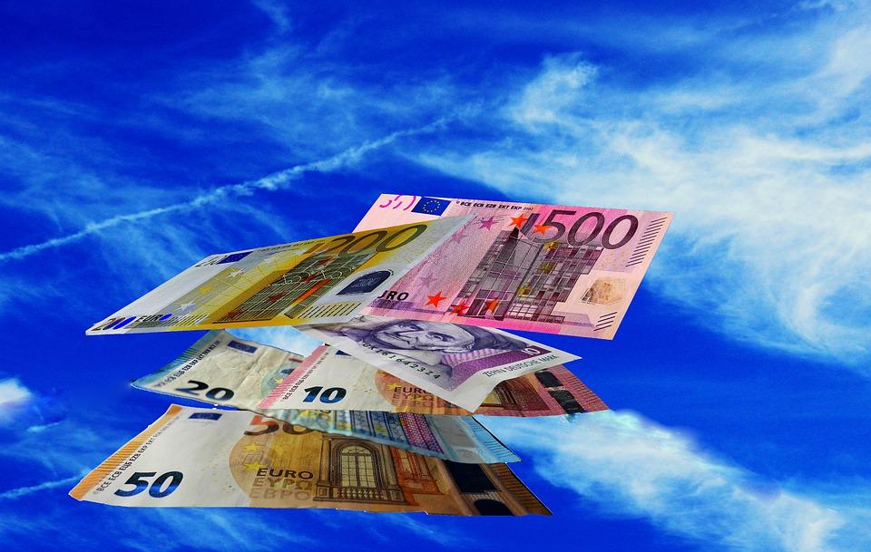 peníze ve vzduchu